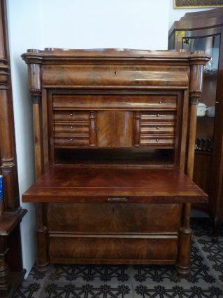 Möbel aus Gründerzeit